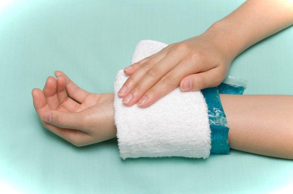 Как остановить кровь из пальца при порезе